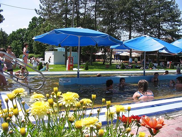 Kur und Wellnessurlaub für die ganze Familie in Gyomaendrod im Liget Bad